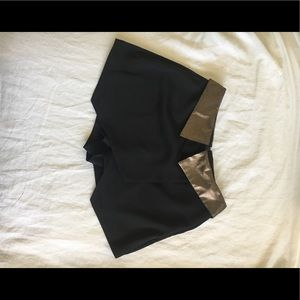 Guess Black Skirt with Gold details (0)